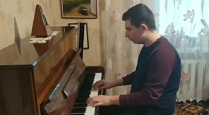 Олександр Коренюк